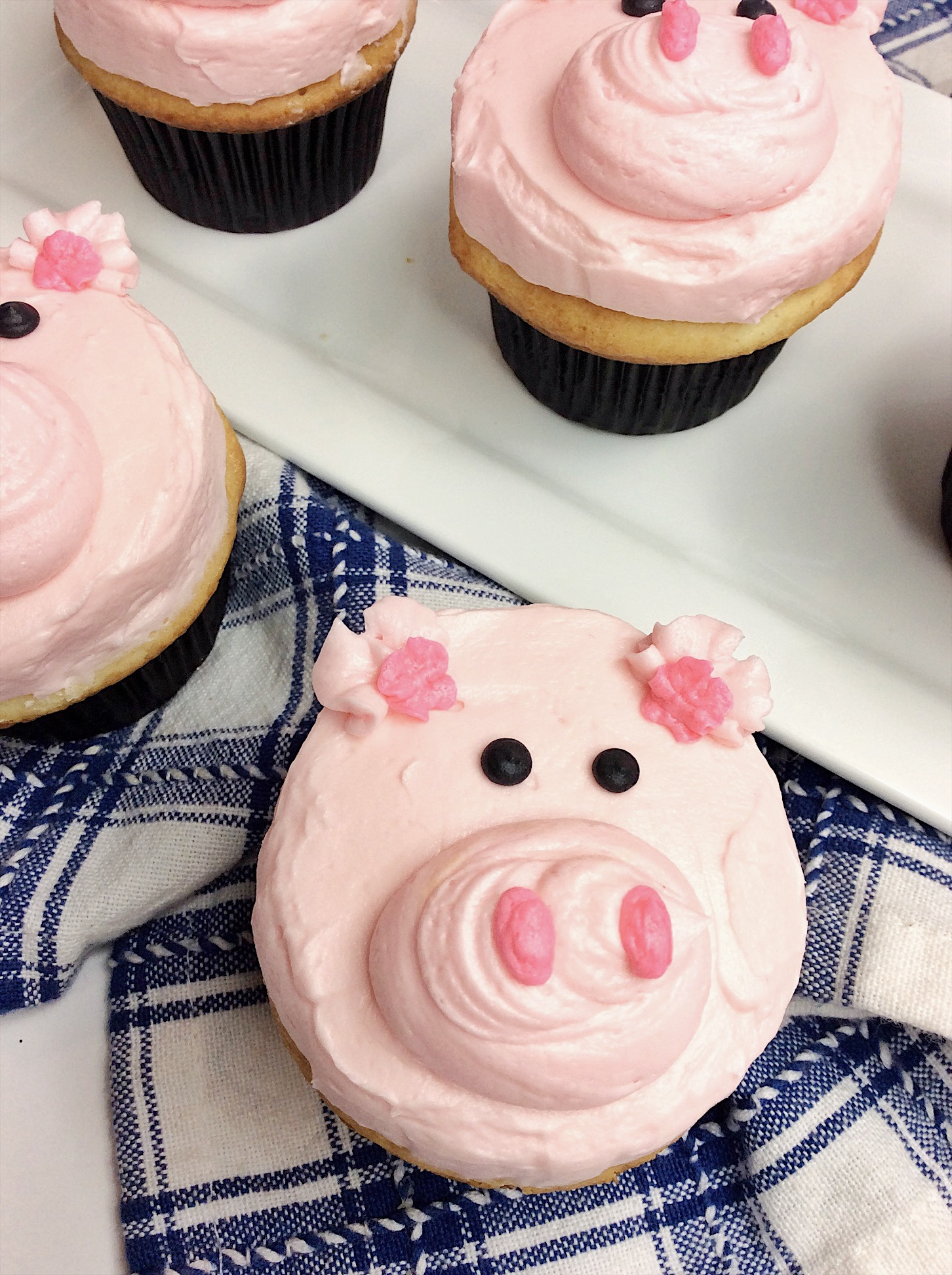 Peppa Pig Inspired Cupcakes